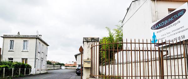 Notre centre de Luxopunture vue de la rue au 40 rue Gaston Baril à Rochefort sur Mer