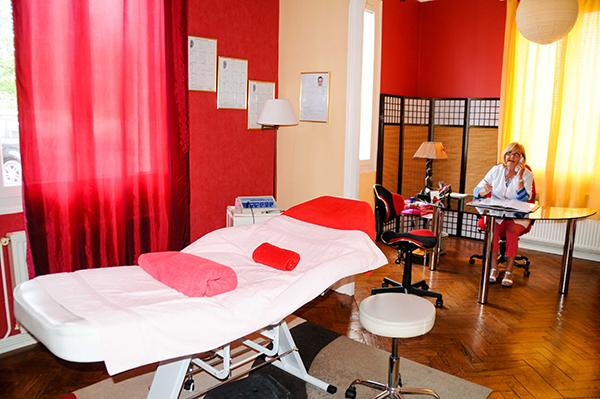 La salle de consultations de notre centre de Luxopunture au 40 rue Gaston Baril à Rochefort sur Mer